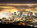 Ceata plutind deasupra orasului Cape Town - Africa de Sud